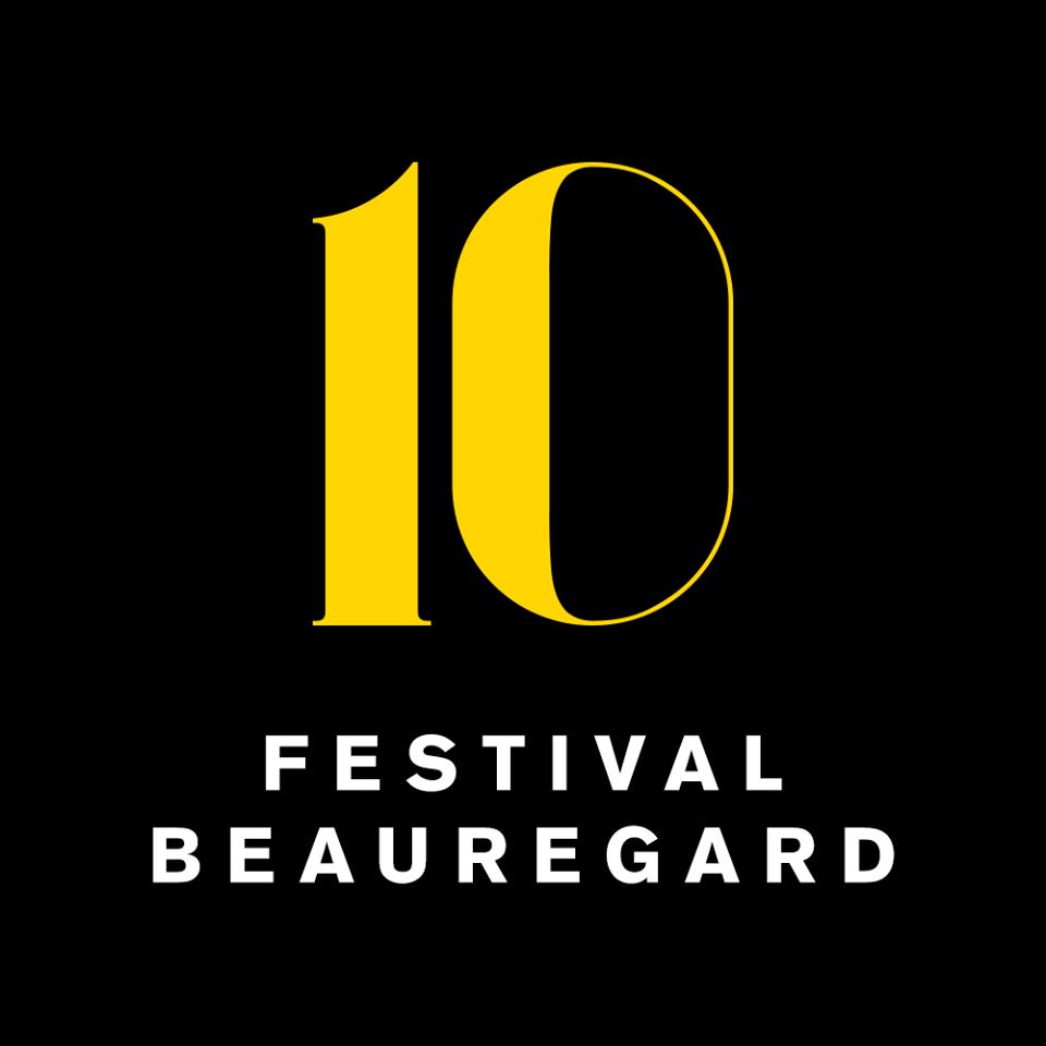 Festival de Beauregard : plusieurs générations d'hommes sous le soleil de Normandie