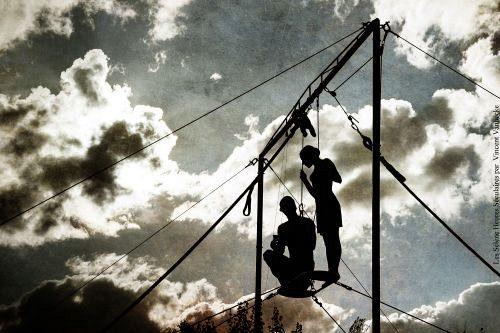 «Les heures séculaires», beauté dadaïste dans le ciel du jardin du Musée Vouland au Off d'Avignon