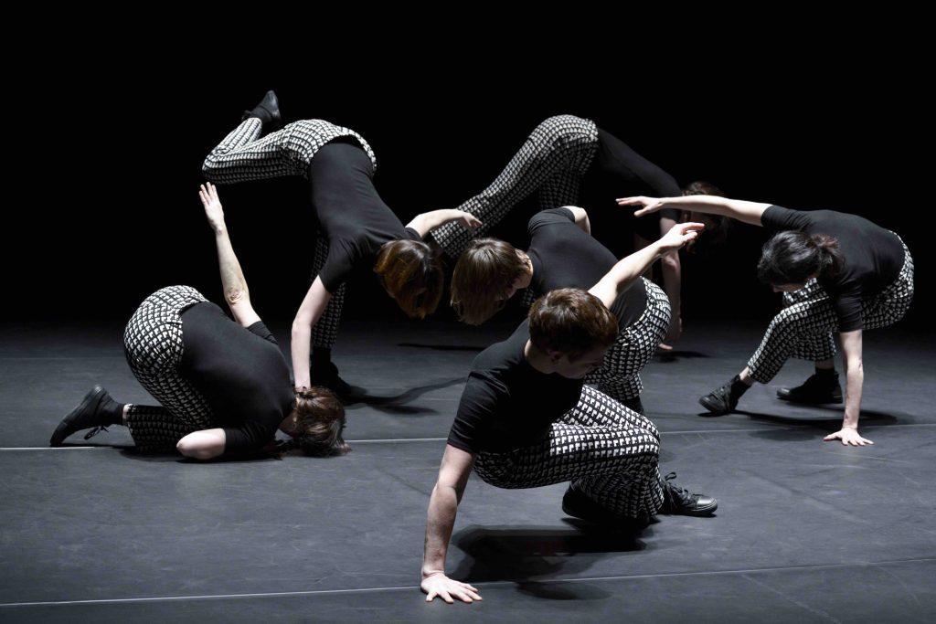 Myriam Gourfink : «La lenteur vient du désir de sentir, s'arrêter pour tout sentir»