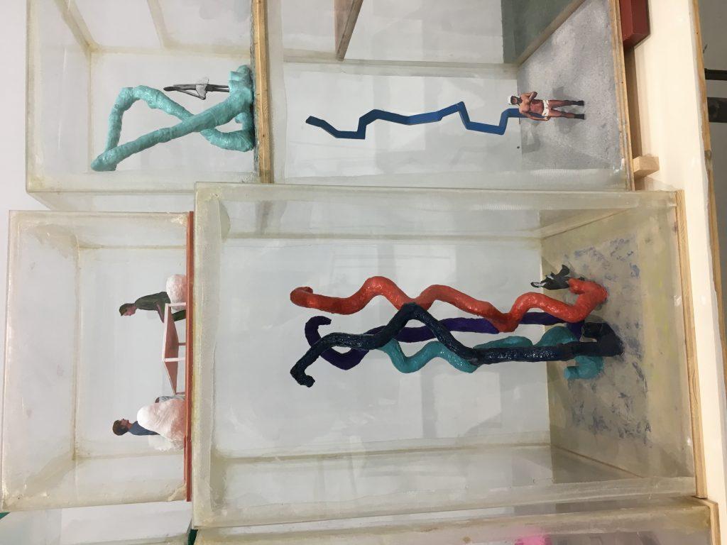 Franz West et ses jeux pour grands s'exposent au Centre Pompidou