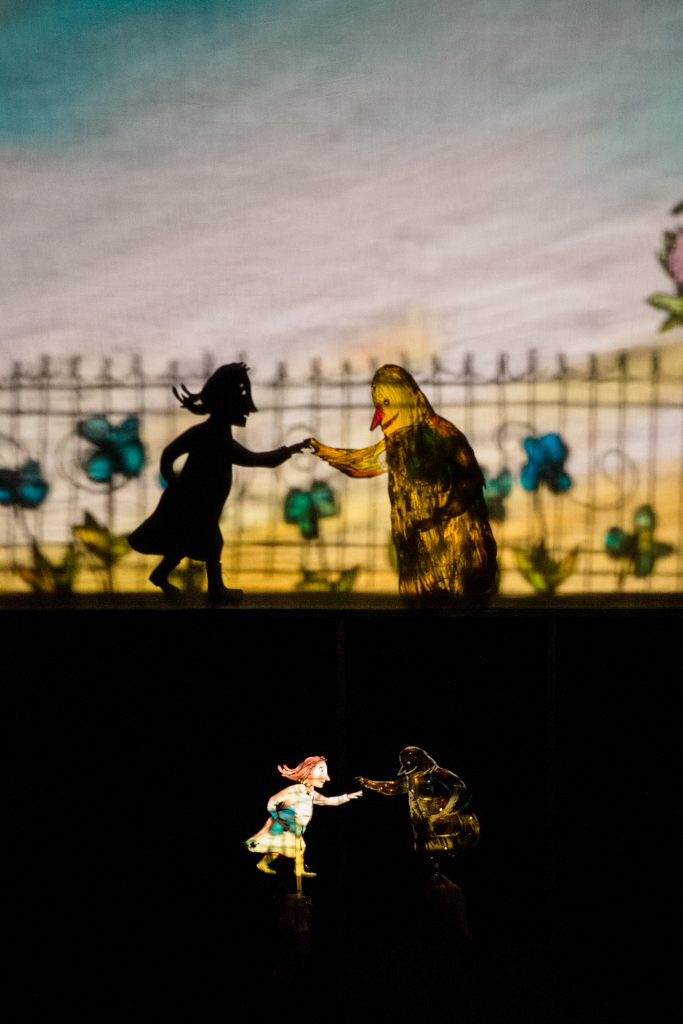 «Moi et Rien» et le théâtre d'ombres infiniment délicat de Teatro Gioco Vita