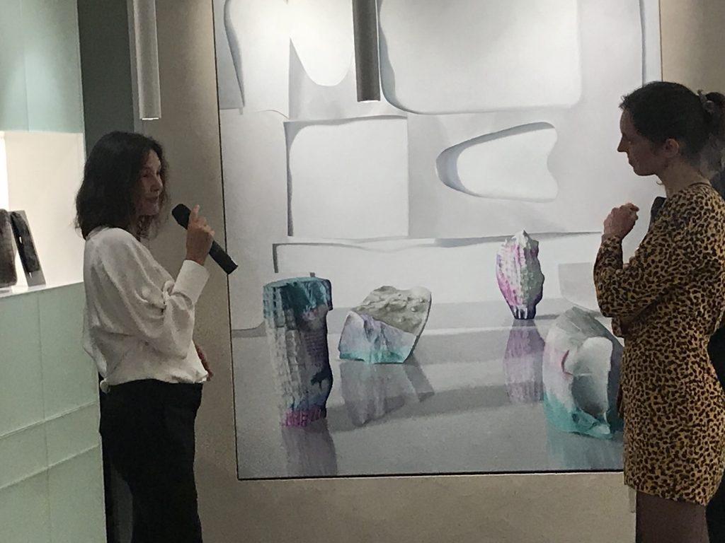 La Maison Camille Fournet lance le prix Équinoxes avec la première lauréate, Maude Maris, et Virginie Ledoyen