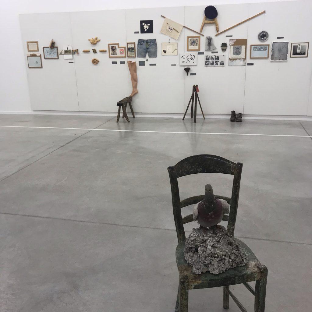 Haegue Yang, Nedko Solakov et Erik Dietman, trois artistes exilés jouent avec les temps et les couleurs à La Panacée