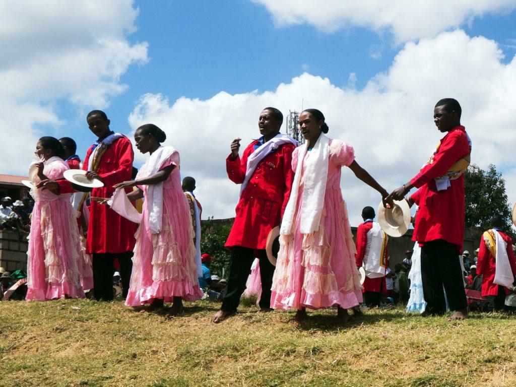 « Hira gasy » ou chant malgache : un opéra champêtre réjouissant
