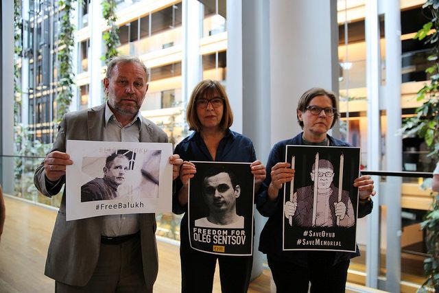 Le prix Sakharov pour la liberté d'esprit décerné au cinéaste ukrainien Oleg Sentsov