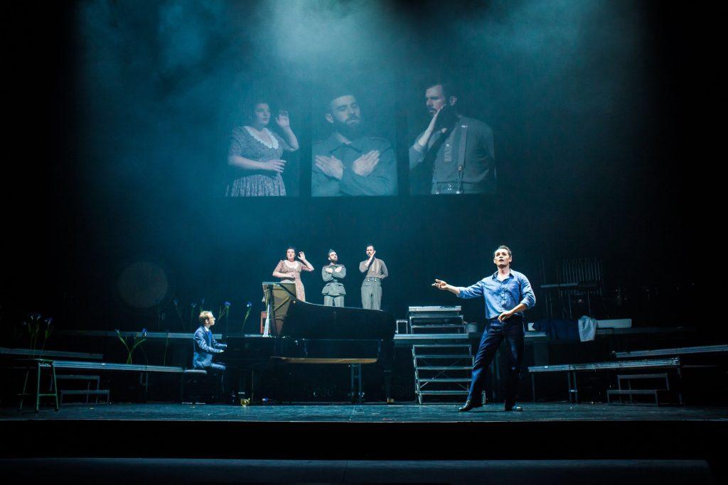 Donnerstag aus Licht : Totalité et sombre jeudi à l'Opéra Comique