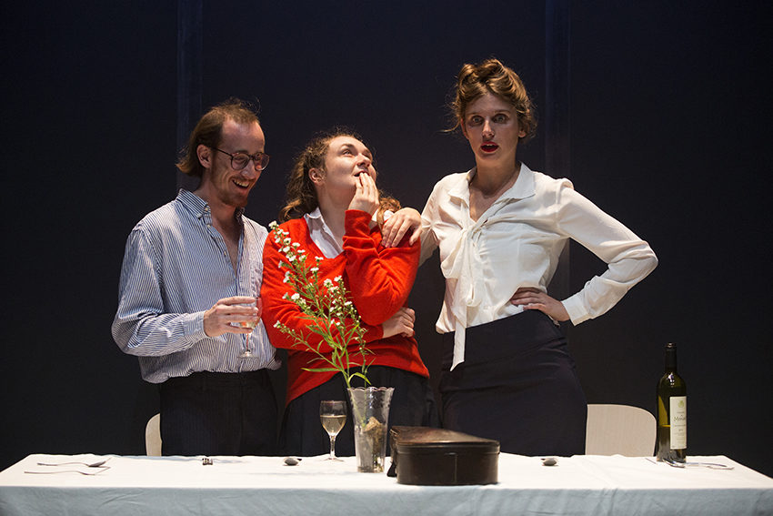 LOVE, LOVE, LOVE De :Mike Bartlett Mise en scène :Nora Granovsky au Théâtre de Belleville