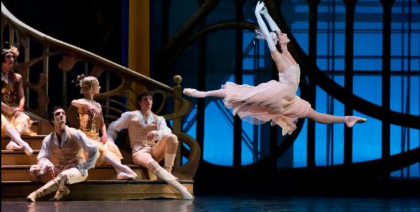 « Cendrillon », ballet de Rudolf Noureïev, à l'Opéra de Paris