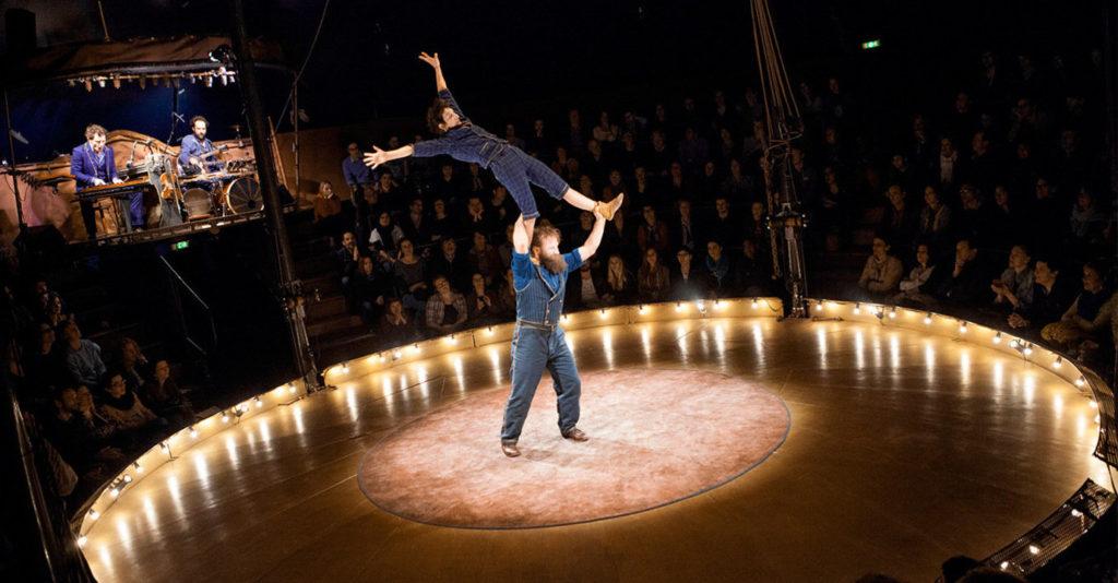 De la piste aux étoiles: «Campana» du Cirque Trottola marie la virtuosité au rêve