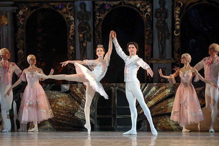 Casse Noisettes de Tchakovski :  La magie opère avec le ballet de l'opéra national de Kiev au Théâtre des Champs Elysées.