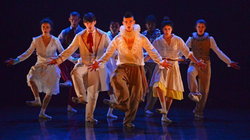 Show, la macabre danse baroque d'Hofesh Shechter
