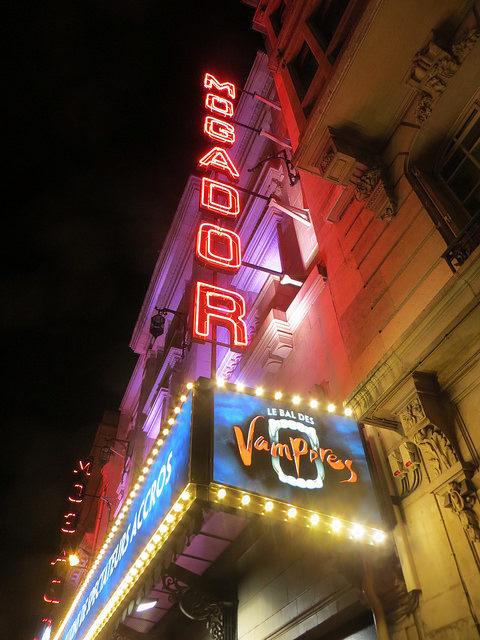 La danse des théâtres privés