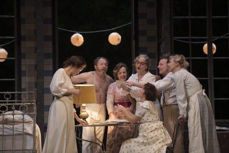 Un «Fanny et Alexandre» de Bergman sans Bergman par Julie Deliquet salle Richelieu