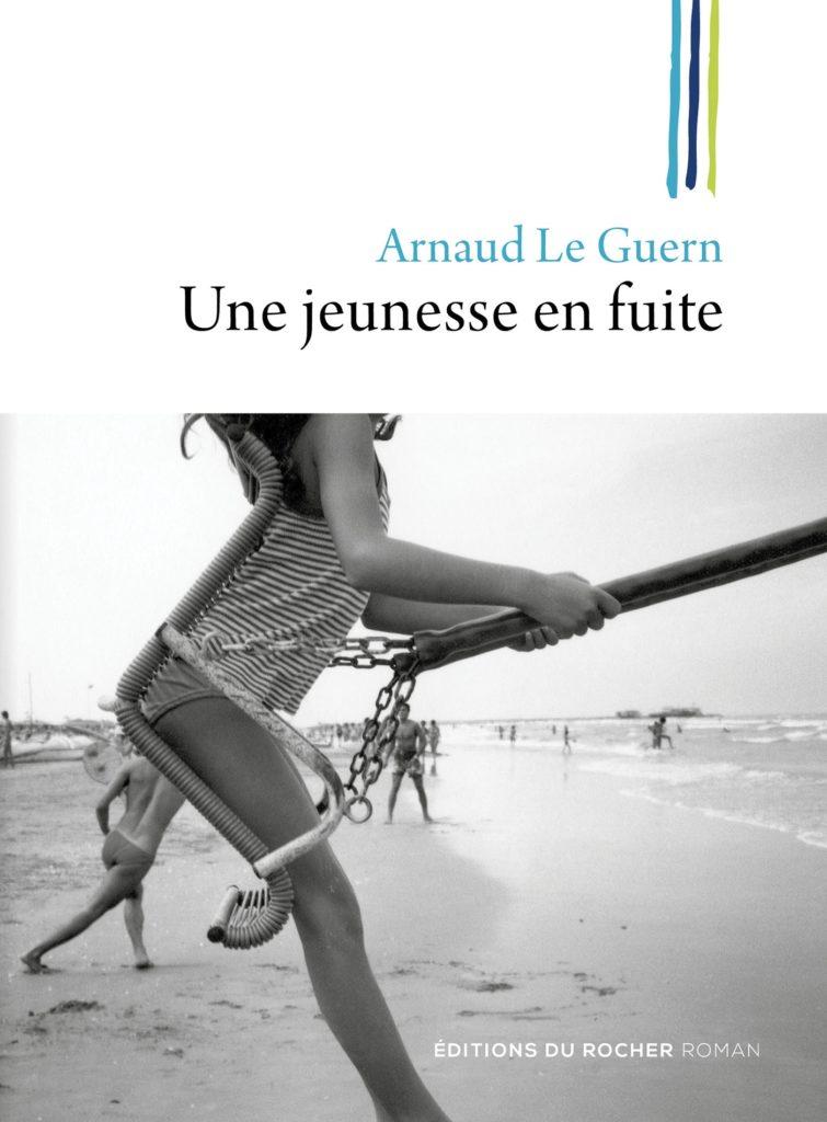Direction les années 2000 avec Arnaud Le Guern et son deuxième roman «Une jeunesse en fuite»