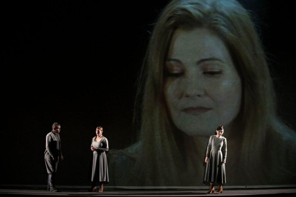 Pendant un rêve, «Der Freichütz» fait apparaître l'invisible magie de la musique en forêt profonde.