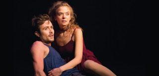 Un « Roméo et Juliette » moderne et bouleversant au Lucernaire