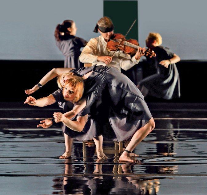 Circa et le Quatuor Debussy   envoûtent le public de la Philharmonie.