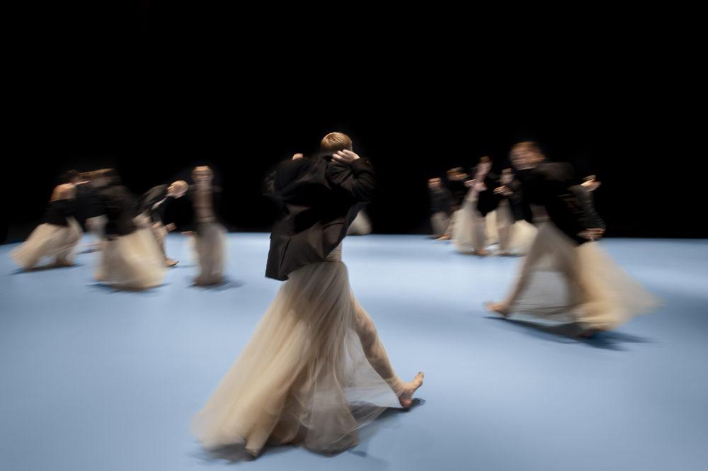 Chaillot invite le Nederlands Dans Theater, une virtuosité de beauté