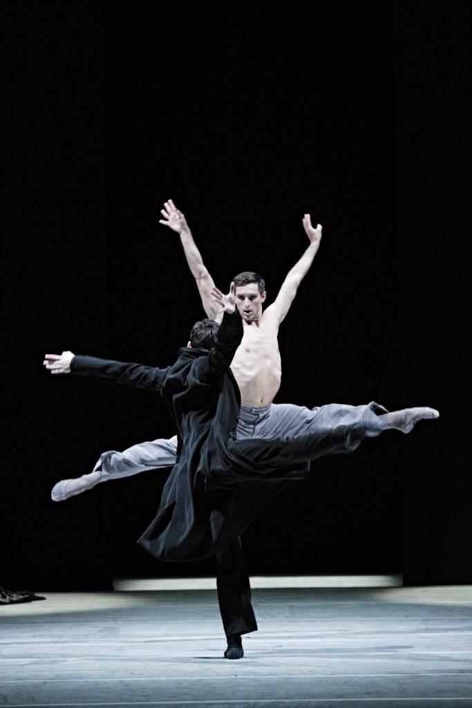 Ballet de l'Opéra de Paris : trois chorégraphies de Sol Leon et Paul Lightfoot et Hans van Manen