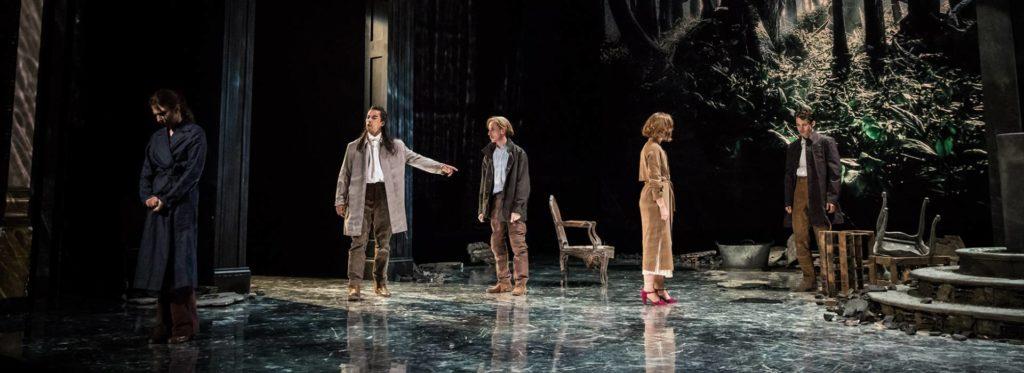 Aux Célestins de Lyon, Claudia Stavisky plonge «La place royale» de Corneille dans l'adolescence