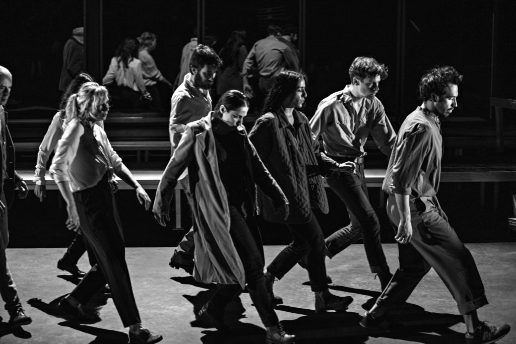 «Sous d'autres cieux», Maëlle Poésy offre un écrin aux exilés au Festival d'Avignon