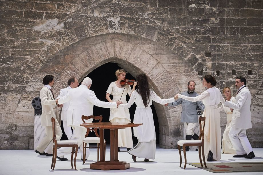 Voir, revoir les spectacles du Festival d'Avignon à Paris