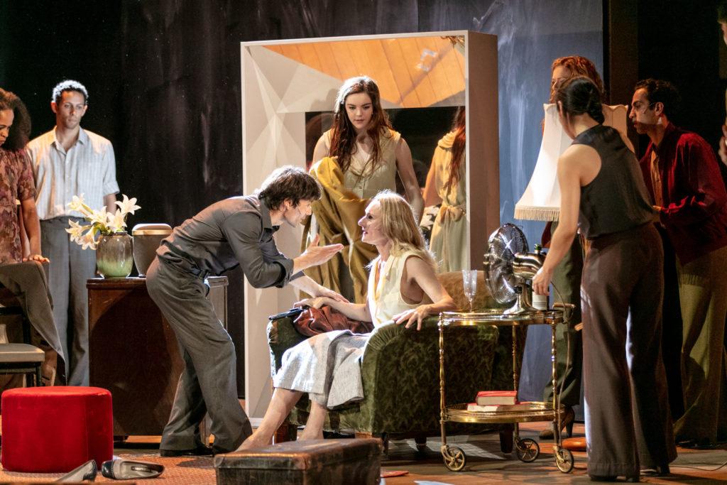 « Bon voyage, Bob ! » un nouveau spectacle du Tanztheater de Wuppertal