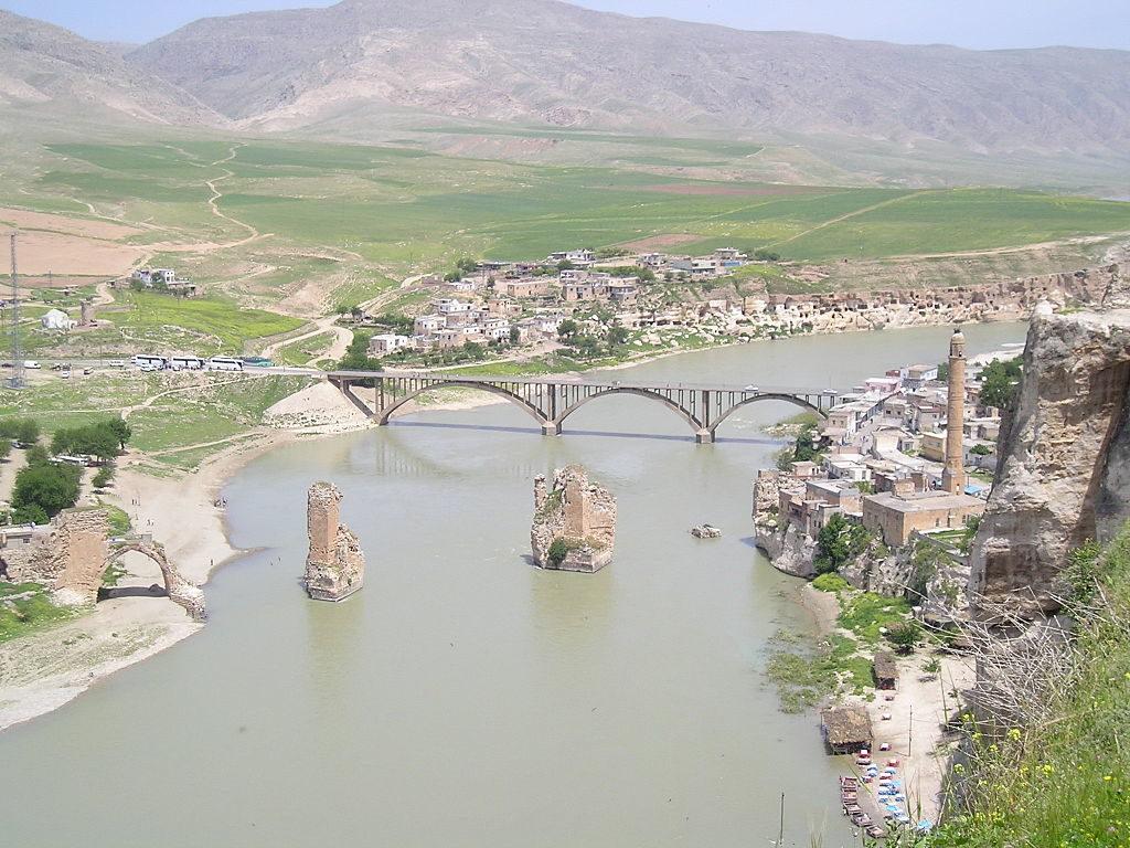 La cité antique d'Hasankeyf bientôt submergée par les eaux à cause du barrage d'Ilisu
