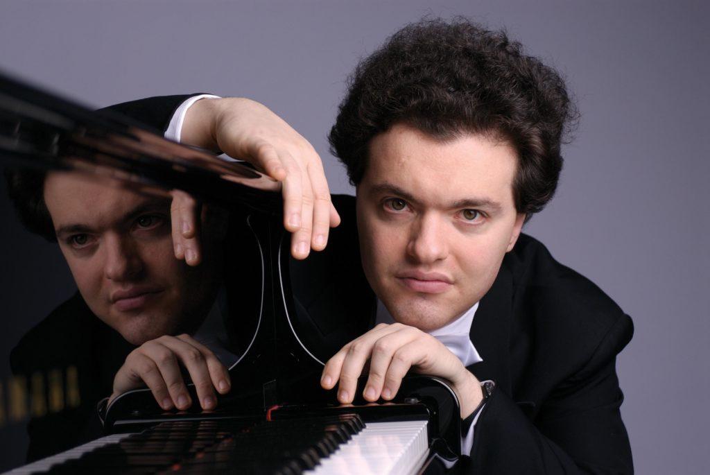 Evgeny Kissin confirme son statut de super-soliste avec l'Orchestre de Paris