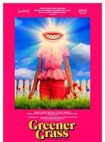 «Greener Grass» de Jocelyn DeBoer et Dawn Luebbe : une version déjantée de Desesperate Housewives ![critique]
