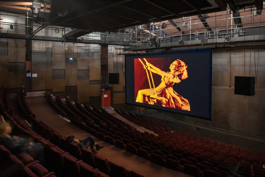 Jean-Luc Godard investit le théâtre des Amandiers avec le parcours «Le Livre d'image»