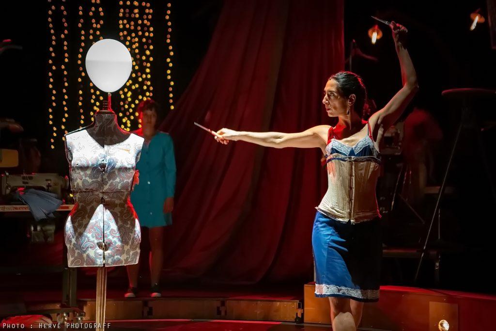 «Les Petits Bonnets» contre les gros bonnets, cirque et théâtre musical pour un récit émancipateur