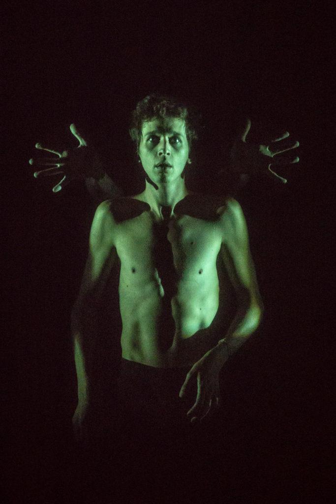 «Choisir l'écume», choisir la poésie et un théâtre hybride