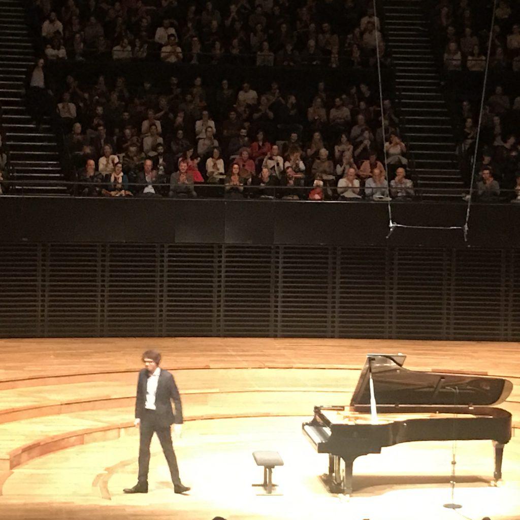 Lucas Debargue interprète un Scarlatti romantique à la Philharmonie