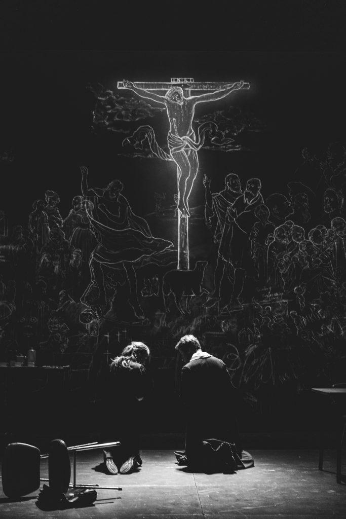 «Liberté à Brême» au festival du TNB : un Christ omniprésent