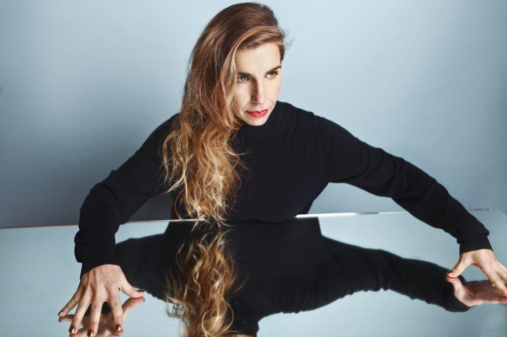 Barbara Carlotti au festival Paris en Toutes Lettres: une expérience joliment magnétique