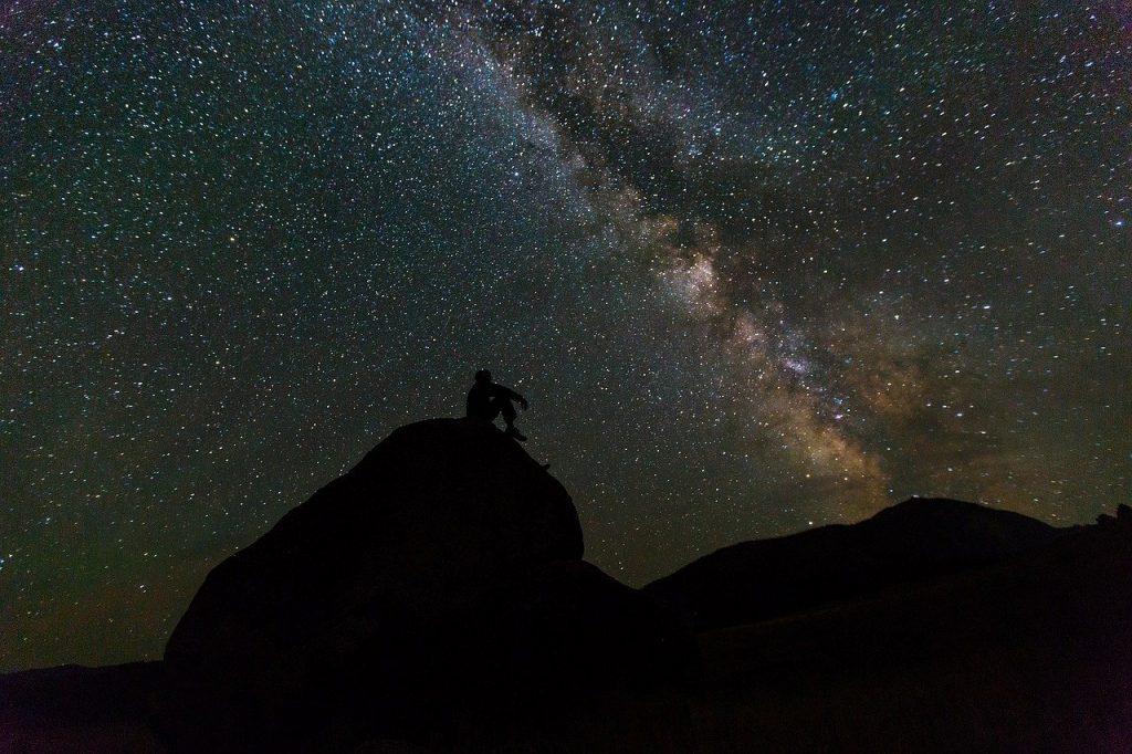 «5.Tera nuits +1, (errances cosmiques)» ou l'histoire de l'humanité qui contemple le ciel