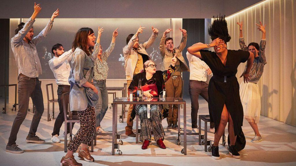 David Lescot ensoleille le Théâtre des Abbesses avec «Une Femme se déplace»