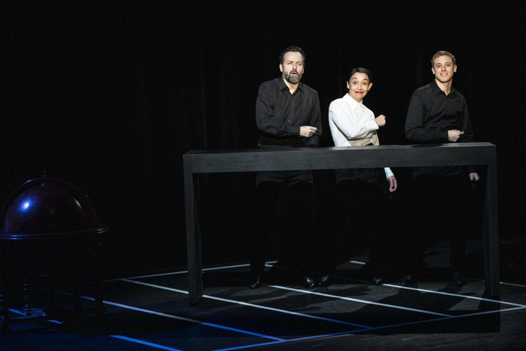 Supervision, une plongée dans le monde voilé de l'hôtellerie-restauration au Théâtre 14