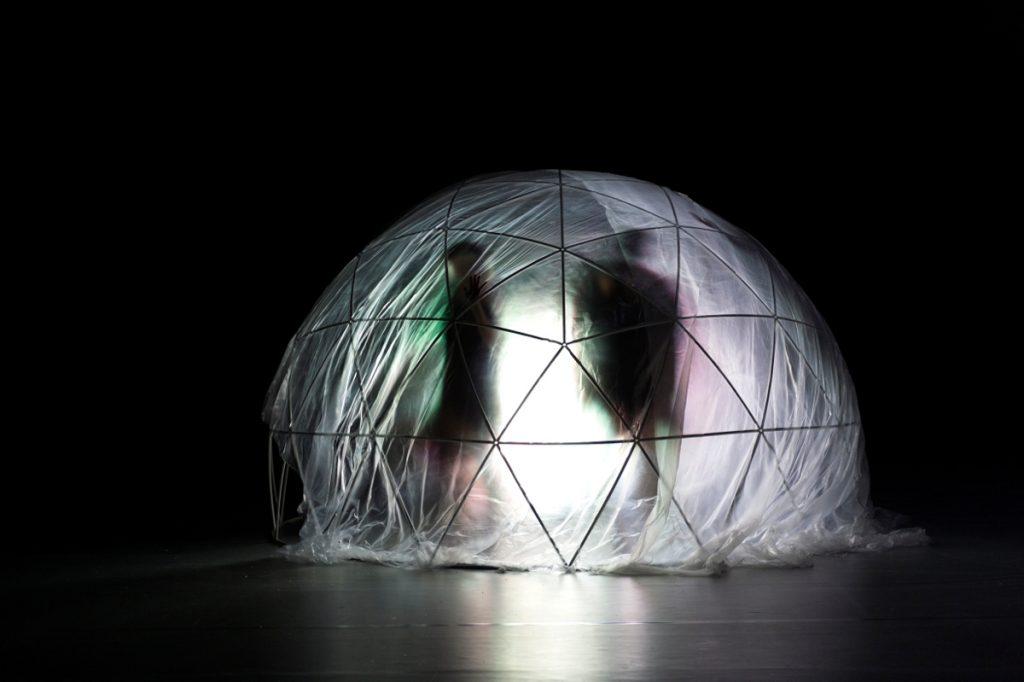 «A l'Ouest», Olivia Grandville, le Grand Nord, la lumière et la beauté au Théâtre de la Bastille