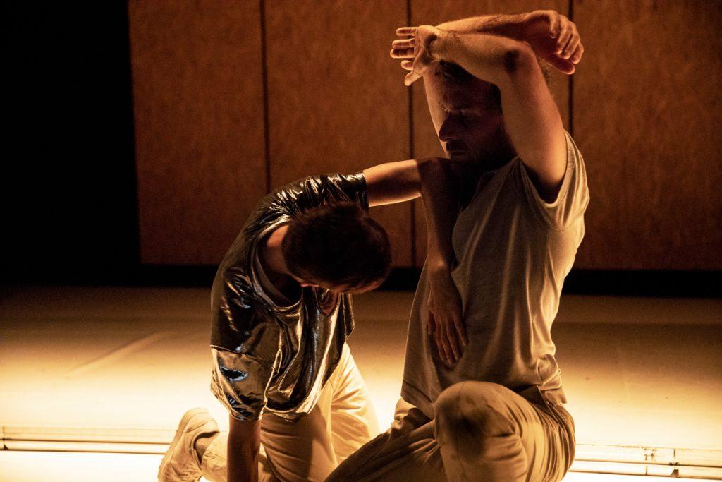 «Ce qui n'a pas lieu», Sofia Dias et Vítor Roriz mettent les mots en mouvement au Théâtre de la Bastille