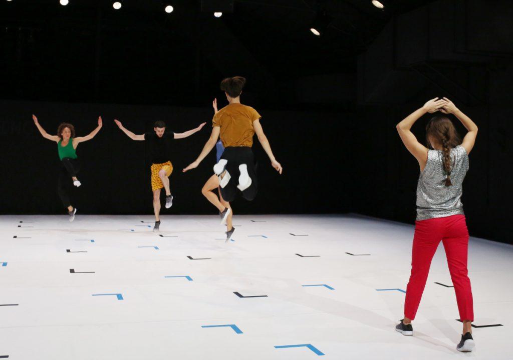 Maps, la danse aléatoire de Santoro et Godard à la Bastille