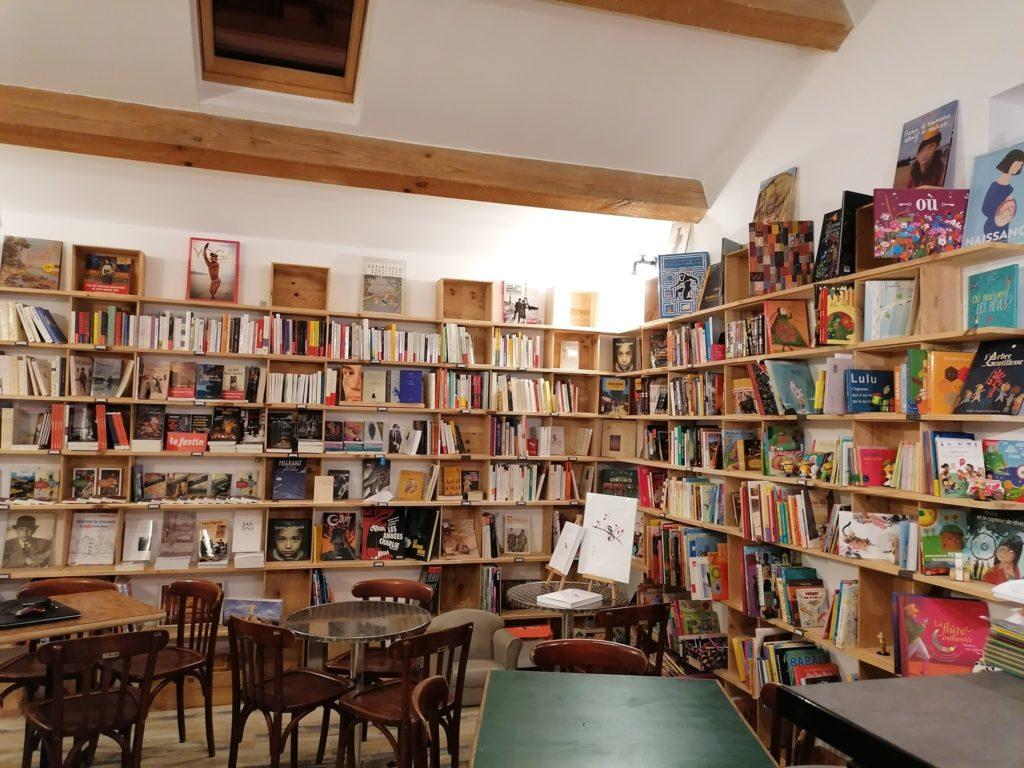 À Bordeaux et dans la région, des lecteurs solidaires des libraires