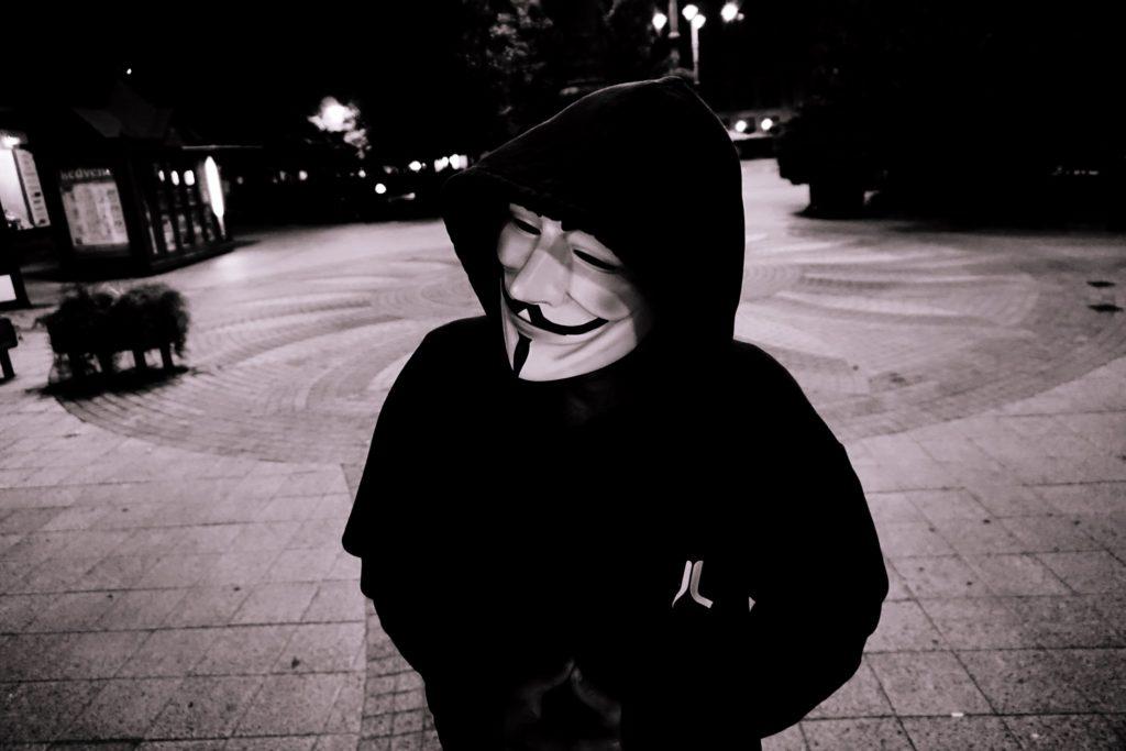 L'action des Anonymous contre le racisme