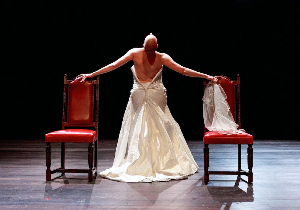 L'OPA de Mélina Martin: Hélène de Troie en femme d'aujourd'hui à la Sélection Suisse en Avignon au Théâtre de l'Orangerie…Genève !