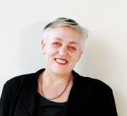 À Paris, la directrice du Théâtre du Châtelet, Ruth Mackenzie, a été écartée