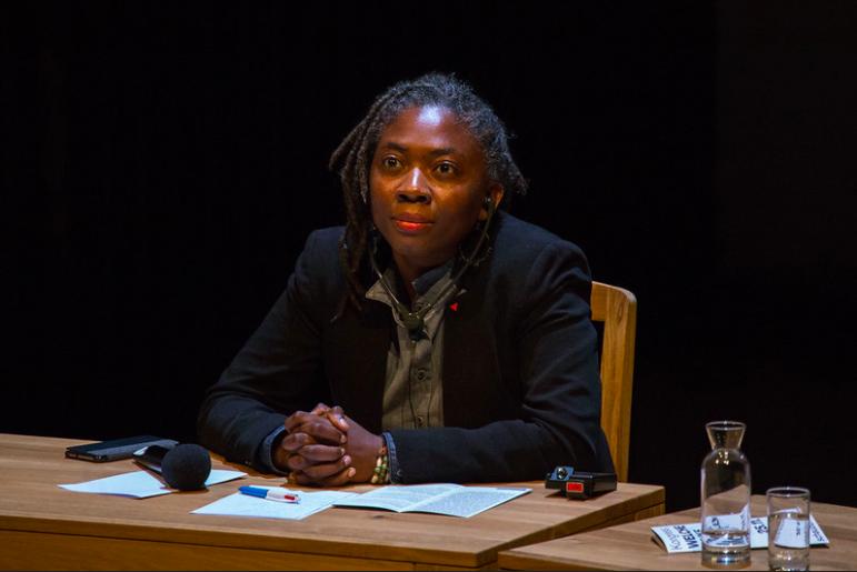 Ouverture d'une enquête préliminaire pour «injures à caractère raciste» contre Valeurs Actuelles pour avoir représenté Danièle Obono en esclave