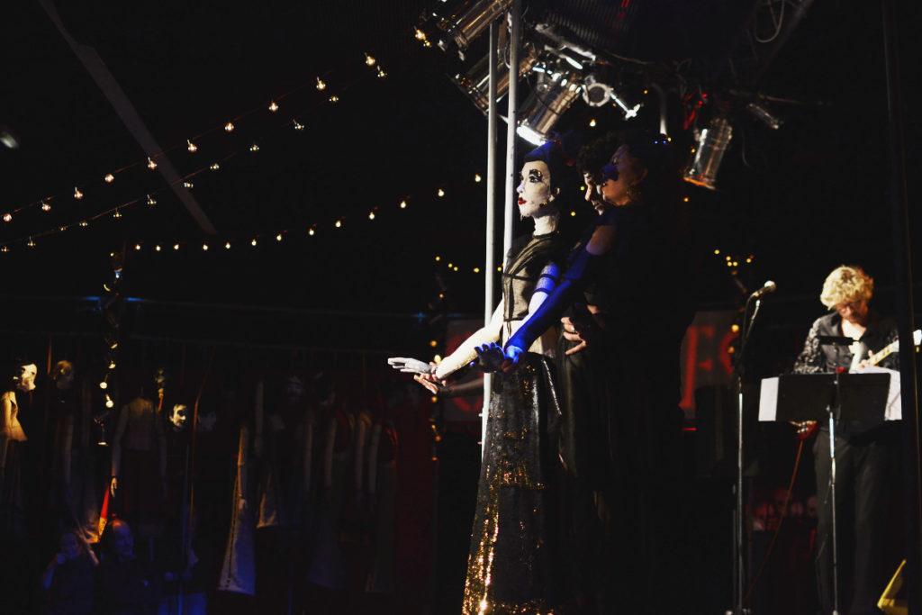 Le «Bal marionnettique», célébrer la joie pour repousser les ombres