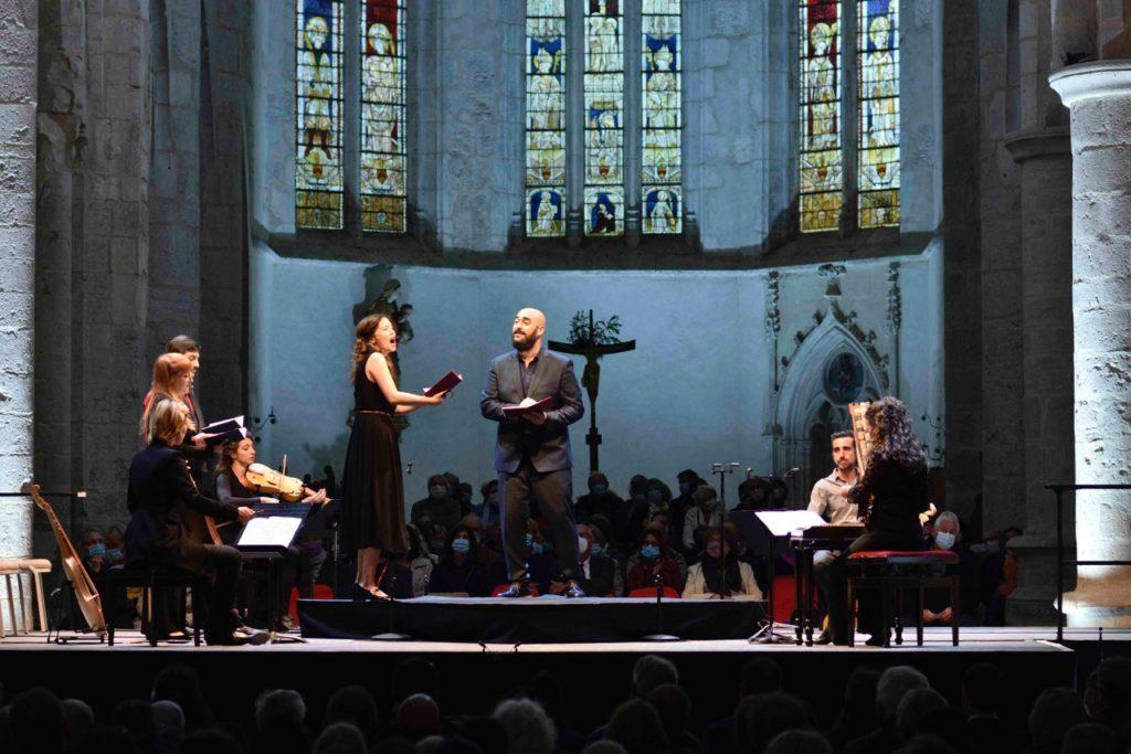 Au Festival d'Ambronay, le public est séduit par la sonorité du Moyen Âge et par un panorama de chansons