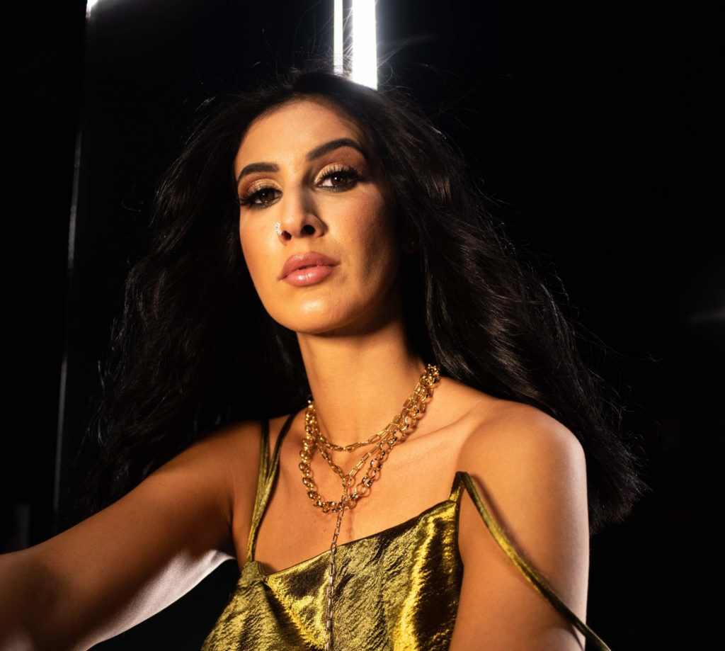 Lyna Mahyem : «Mon nom ne m'appartient plus» (Interview)